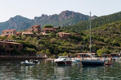Girolata's city port